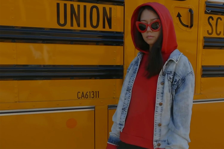 somemoemnt hoodie